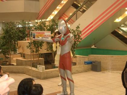 ヨシヅヤ蟹江店にウルトラマンが・・・!