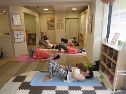保険サロン名古屋守山店 「ママの為の産後ヨガセミナー♪♪」