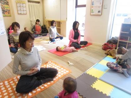 保険サロン名古屋守山店 「ママの為の産後ヨガセミナー☆」